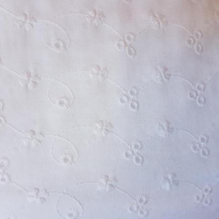 Bordado Inglês 100% Algodão S082-60768 Flores Conectadas