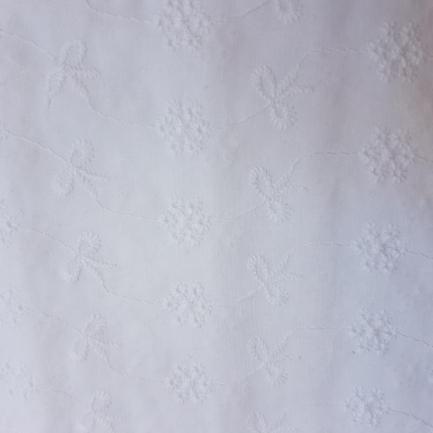 Bordado Inglês 100% Algodão S082-60758 Flor e Laços